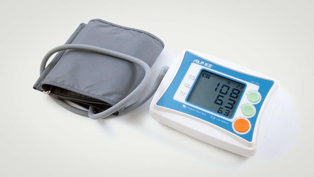 Máy đo huyết áp điện tử bắp tay ALPK2 K2-1702 (Nhật)