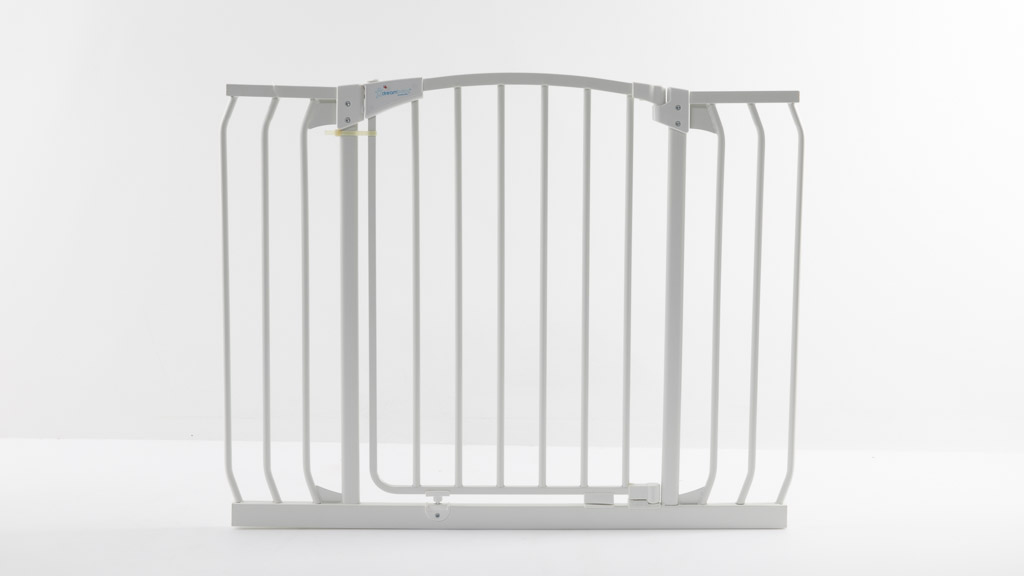 Dreambaby Chelsea Xtra-Wide Hallway Auto-Close Security Gate F170N carousel image