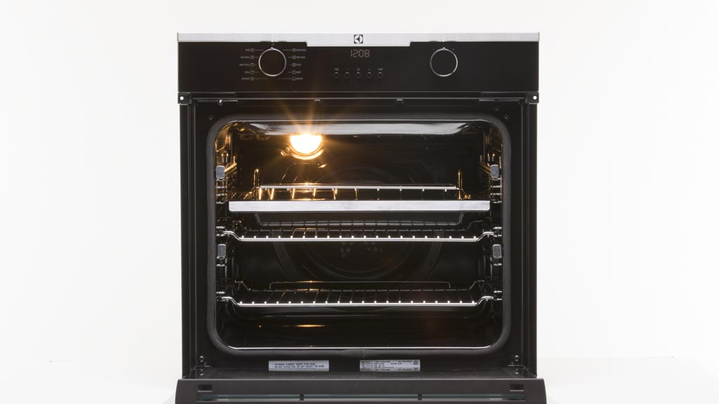 Electrolux oven where to put the shelves kitchen home for Kitchen set electrolux
