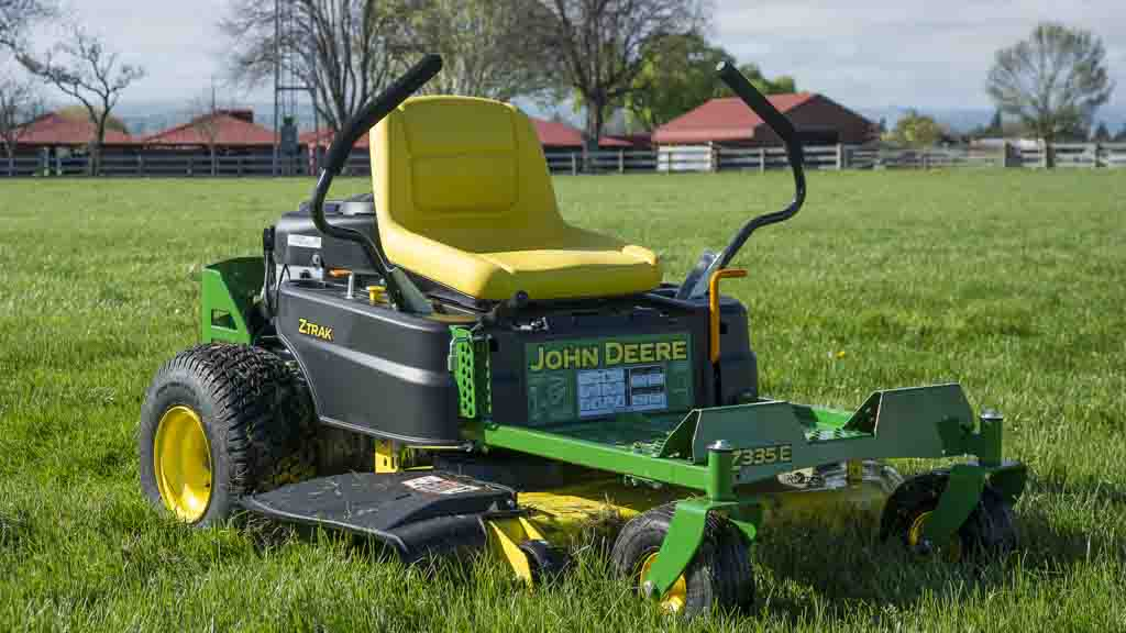 John Deere Z335E - Ride-on mower reviews - CHOICE