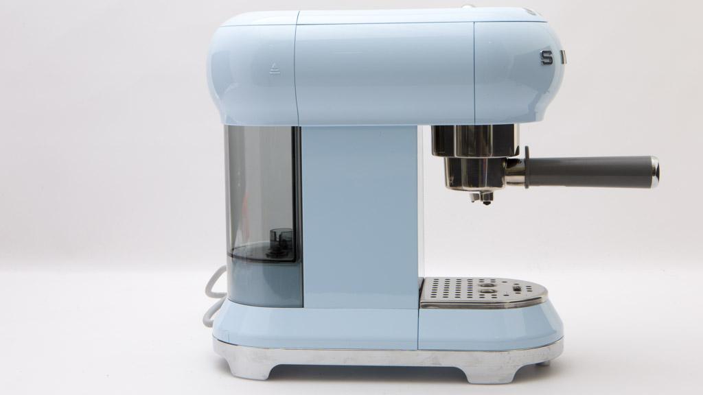 smeg ecf01pbeu home espresso coffee machine reviews choice. Black Bedroom Furniture Sets. Home Design Ideas