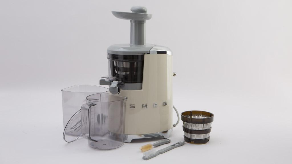 Smeg Slow Juicer Reviews : Smeg SJF01 - Juicer reviews - CHOICE