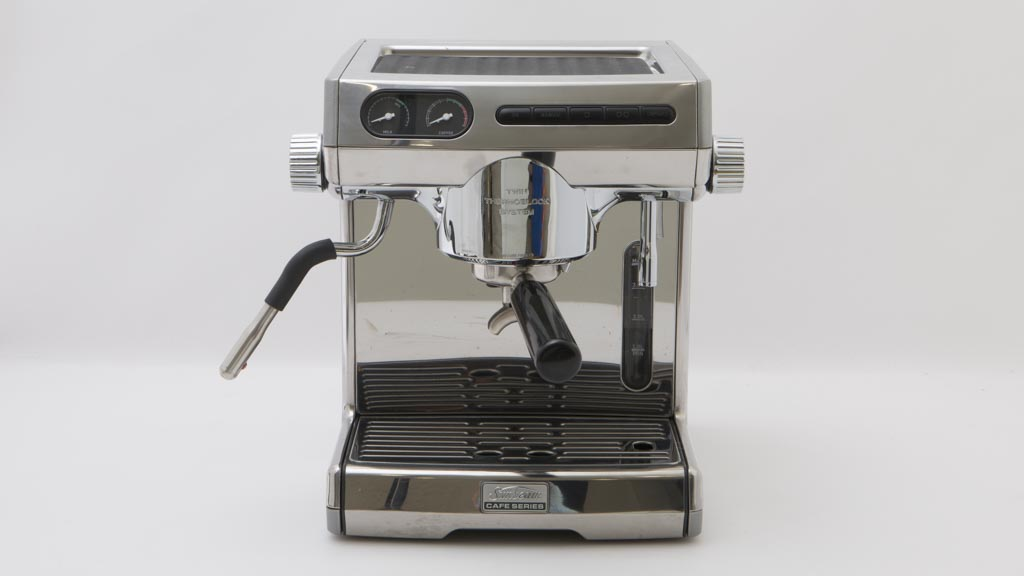 Coffee making on sunbeam cafe series coffee machine short black.