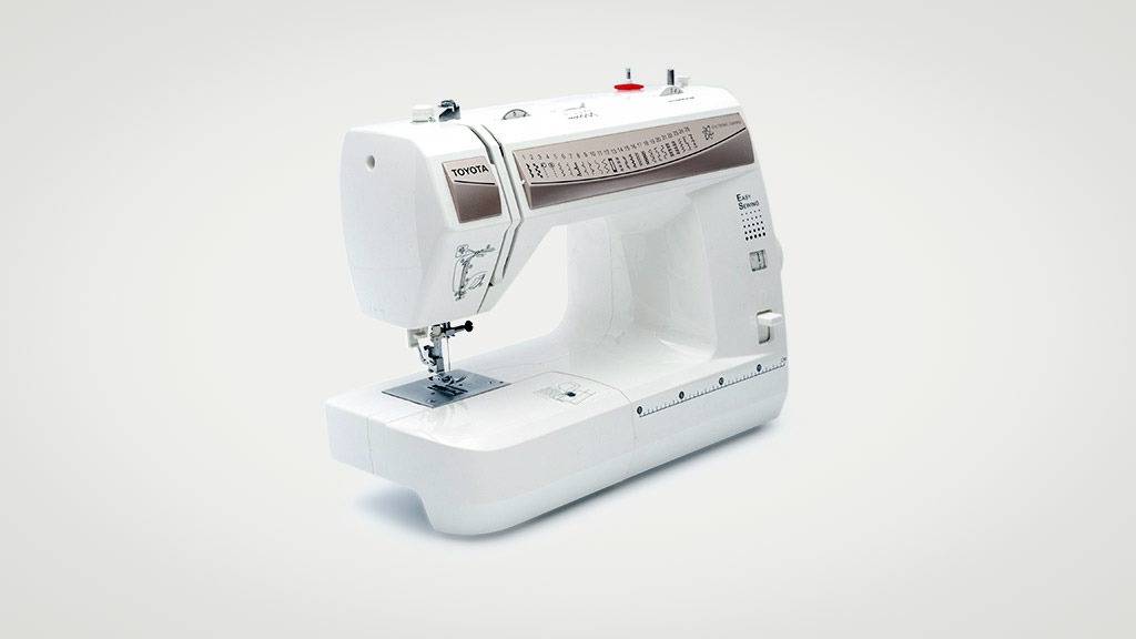 Toyota ESG325 sewing machine